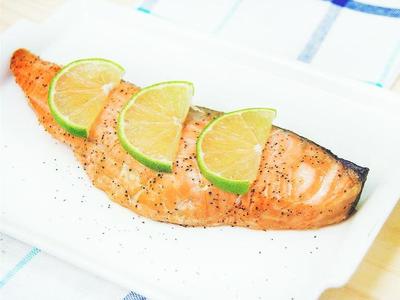 檸檬奶油烤鮭魚